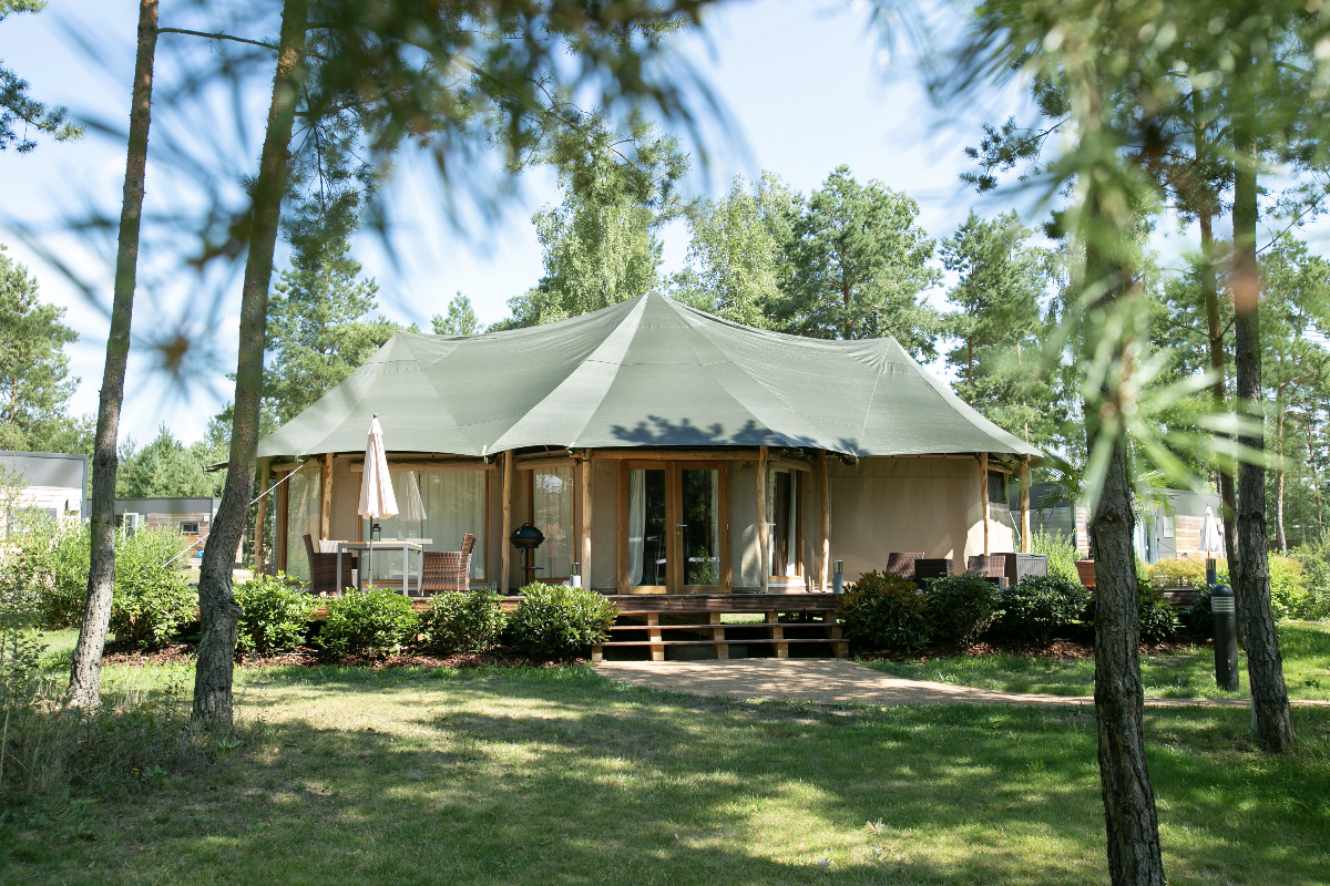 Tropical Islands Camping in der Luxus-Lodge