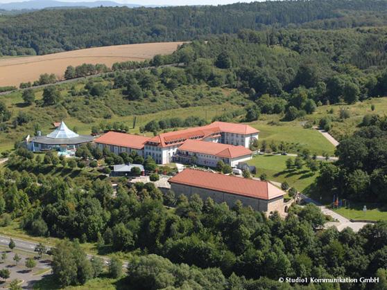 Victor's Residenz Hotel Teistungenburg - wo das Hotel heute liegt, war früher mal die Grenze
