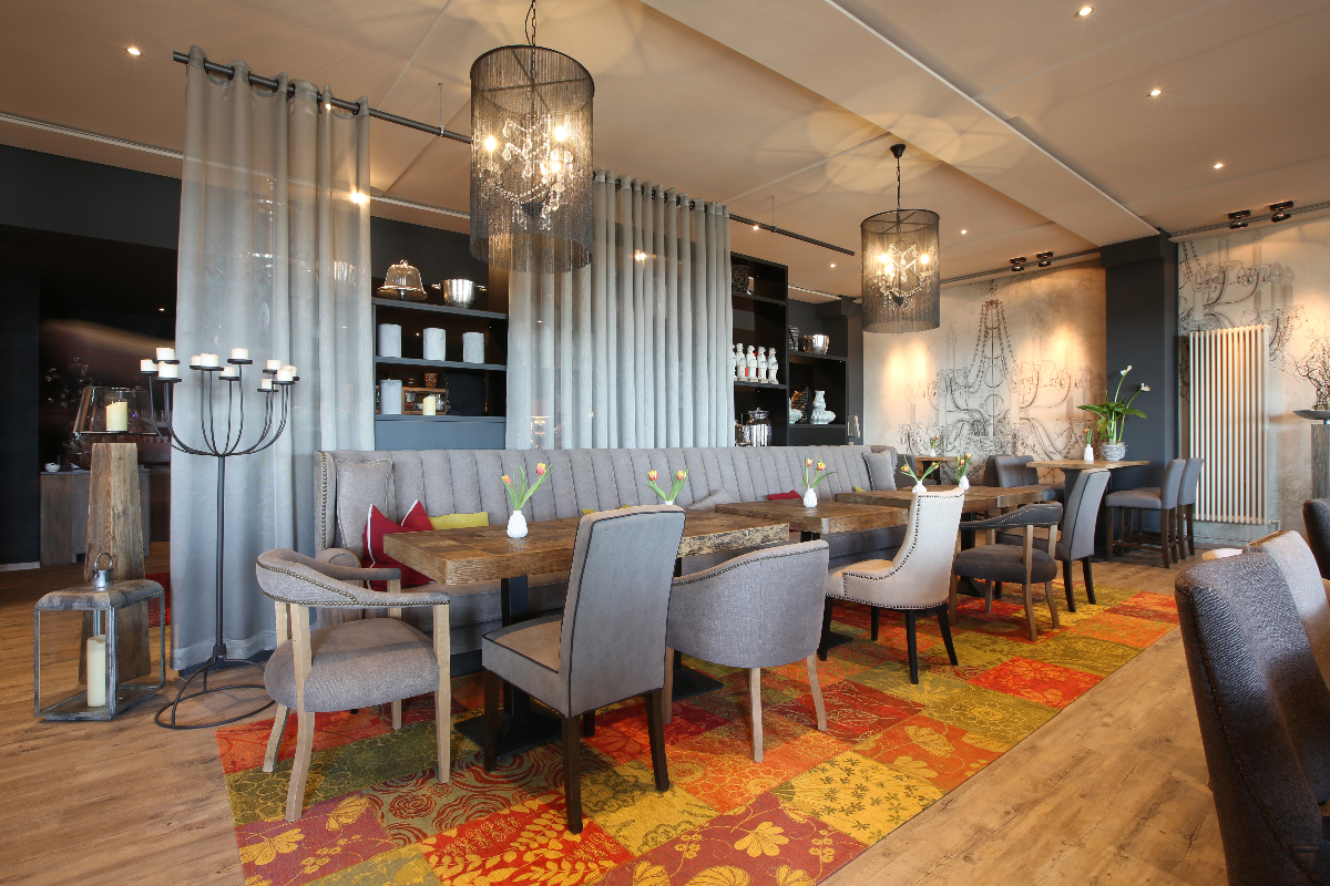 Raum Cabinet - Nägler's Fine Lounge Hotel