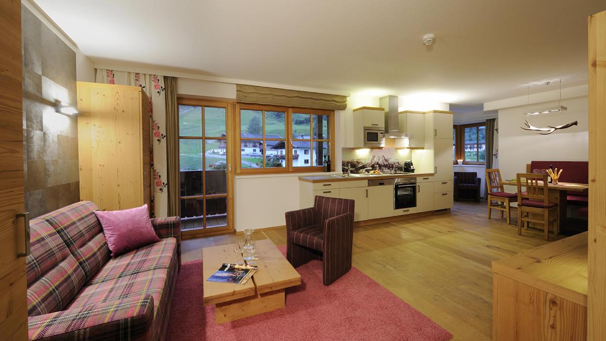 Wohn & Essbereich im Appartement Birnberg