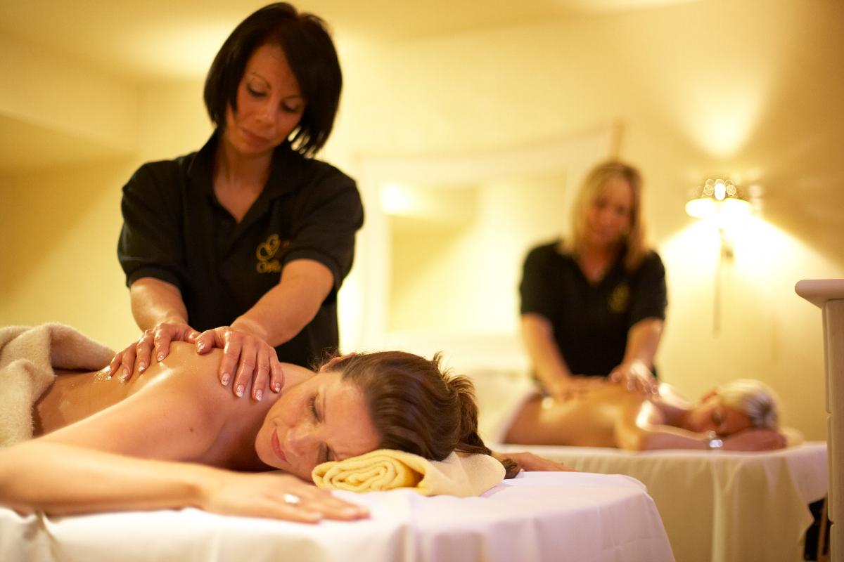 Wohltuende Massagen & Anwendungen