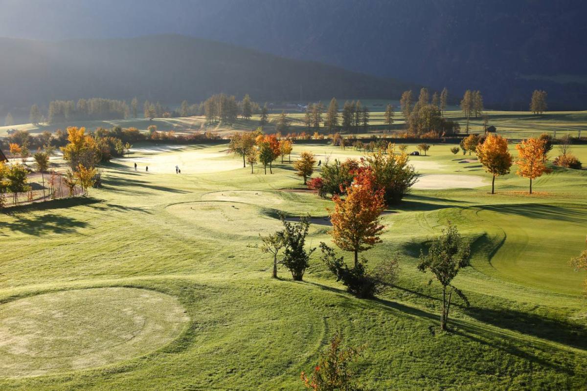 27-Loch-Golfplatz
