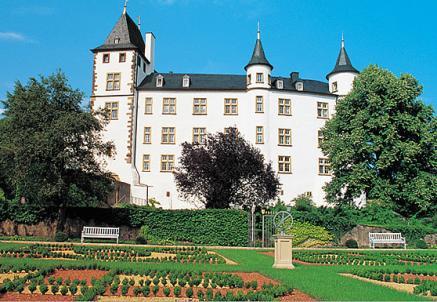 Lädt zum Träumen ein, Schloss Berg im Saarland