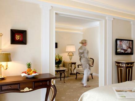 Bildquelle: Nicht nur Göttersuiten gibt es im Victor's Residenz Hotel Schloss Berg sondern auch Wellness-Behandlungen mit den Inhaltsstoffen der Traube