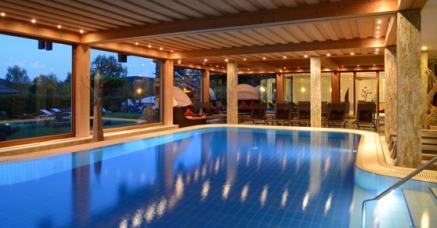 Bildquelle: Freund - Wellness & Spa Resort - zum breiten Wellness-Angebot gehören hier auch Osteopathie, xx und xx