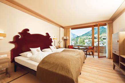 Guter Schlaf braucht eine gute Grundlage. Darum haben wir unsere Betten und Bettdecken mit viel Zehenspitzengefühl ausgewählt.