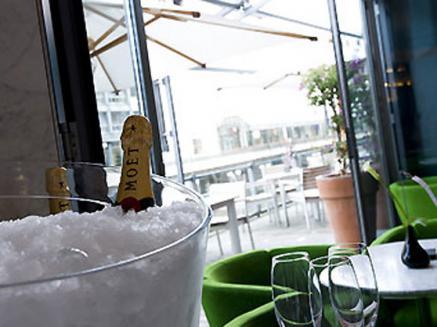 """Champagnerlaune und """"wellness in the city"""" im Sofitel Hamburg"""