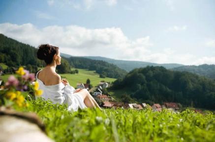 Kurzurlaub zu Ostern oder über Ostern - z.B. in eines der kleinsten Wellnesshotels in Deutschland das Wellnesshotel Talblick inmitten der Thüringer Berge
