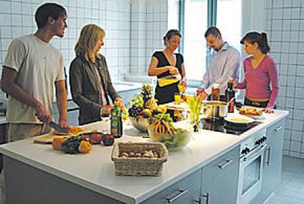 """Kochkurse und Kochevents liegen im Trend (hier ein Kochkurs im Centrovital, Berlin). Klicken Sie auf das Bild für mehr """"Kochevents"""" in Deutschland"""