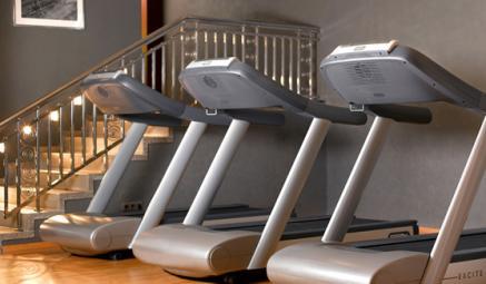 Viele Hotels verfügen über private Fitness-Oasen (Bildquelle: Club Olympus, Park Hyatt Hamburg)