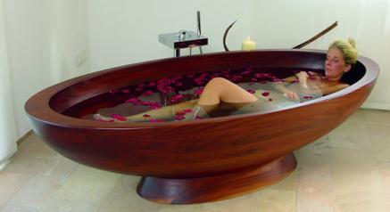 Bildquelle: Mahagoni-Holzwanne im Private Spa des Romantik Hotel Neumühle (Bayern)