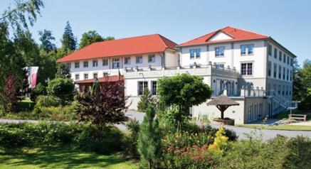 Gutes Beispiel für Umweltarbeit. Das Naturresort Schindelbruch ist das erste klimaneutrale Hotel Mitteldeutschlands und bezieht seinen Öko-Strom bereits aus 100% Wasserkraft