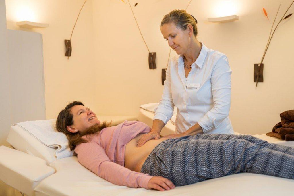 Lymphdrainage Abdomen im FX Mayr Kur Hotel