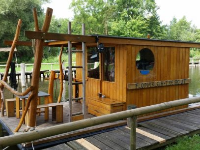 Urlaub auf dem Hausboot oder Hausfloss