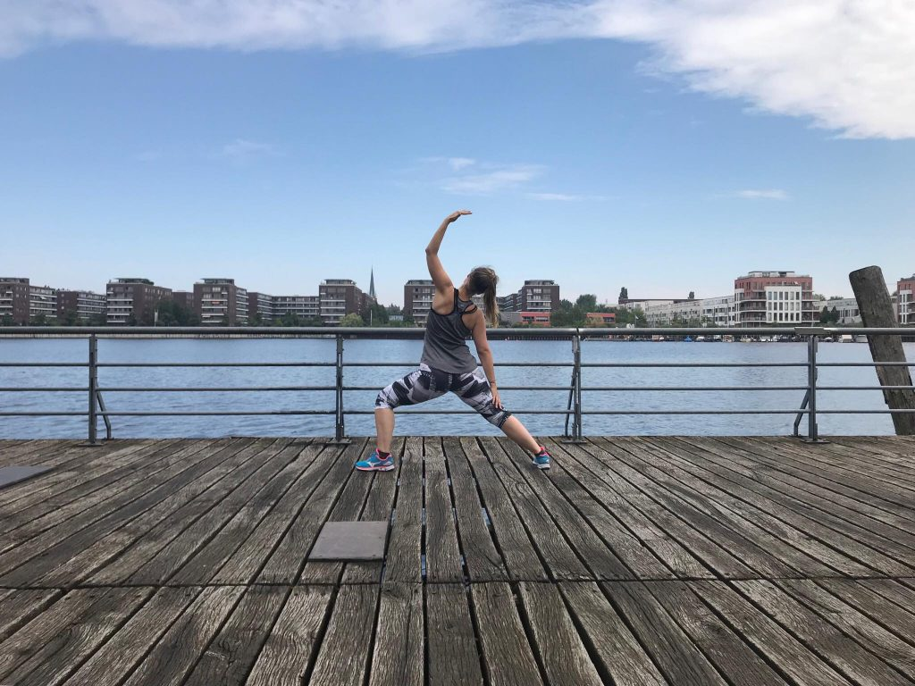 Yoga in the city - Bildquelle: Mirjam Kilter (freesendeern.de)