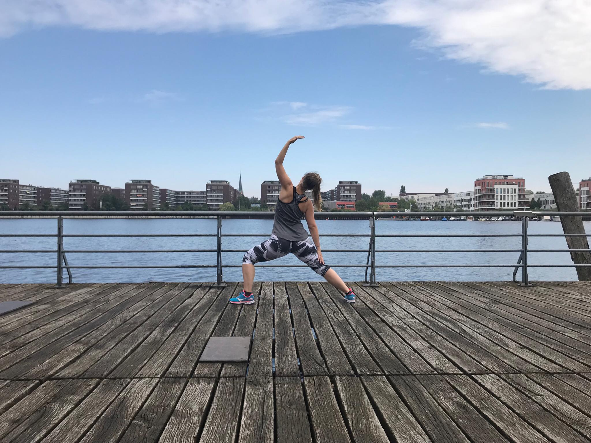 Yoga in the city – Bildquelle: Mirjam Kilter (freesendeern.de)