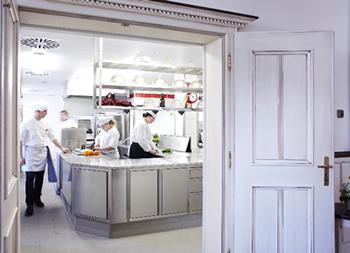 Blick in die neue Küche des Schloss Rheinfels