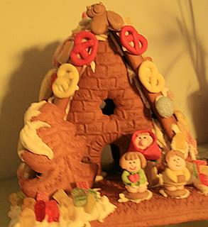 Unser Hexenhaus aus dem vergangenen Jahr - natürlich gibt es auch dieses Jahr ein Neues :-)