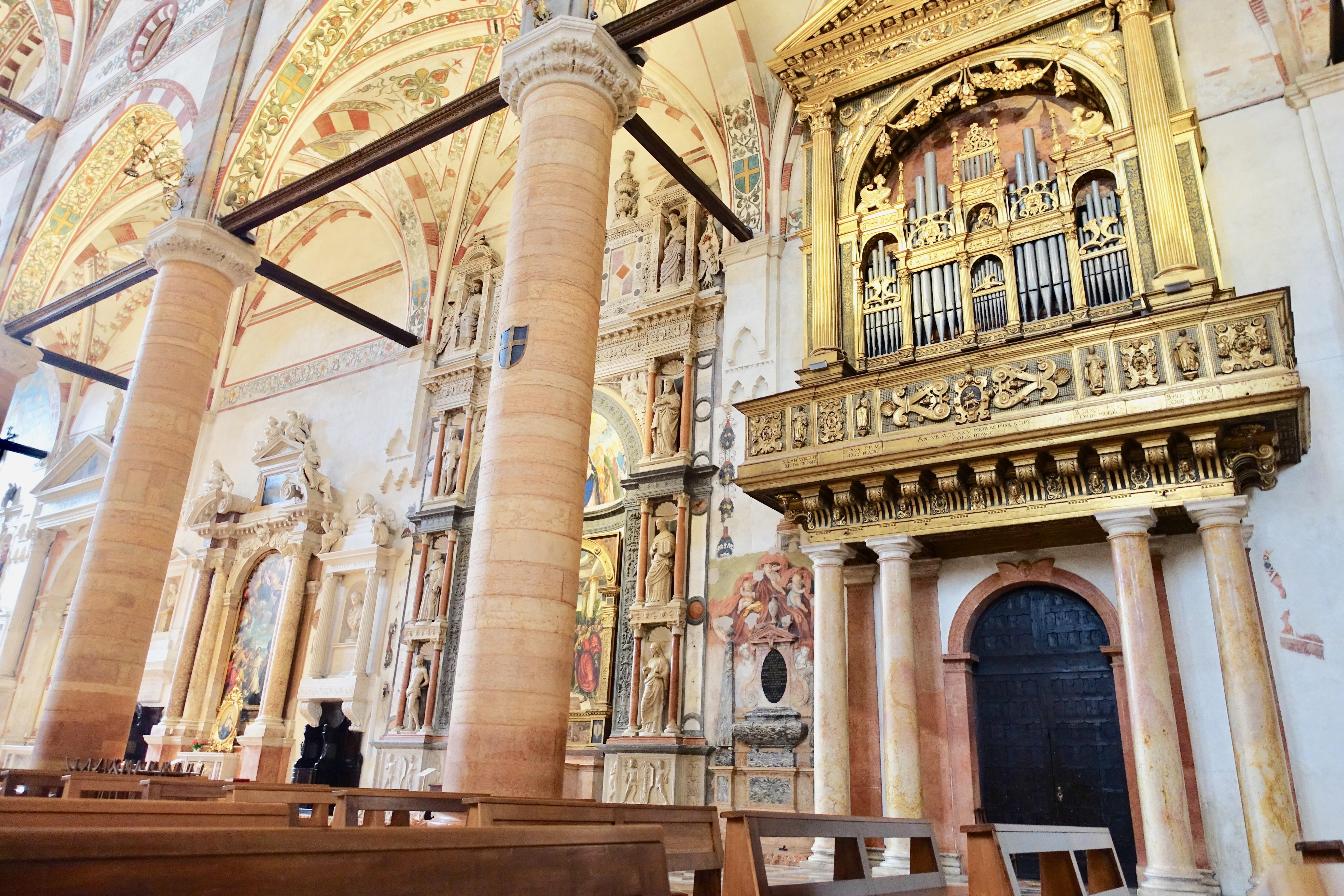 Blick in Verona Kirchen