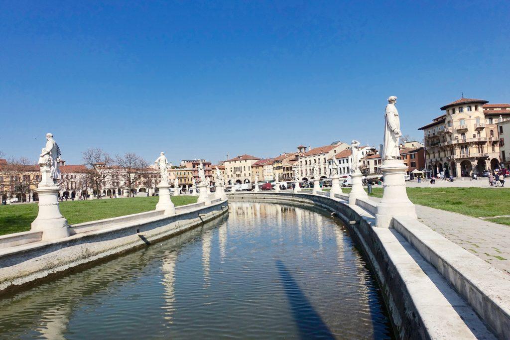 Prato della Valle Wochenmarkt Padua immer samstags