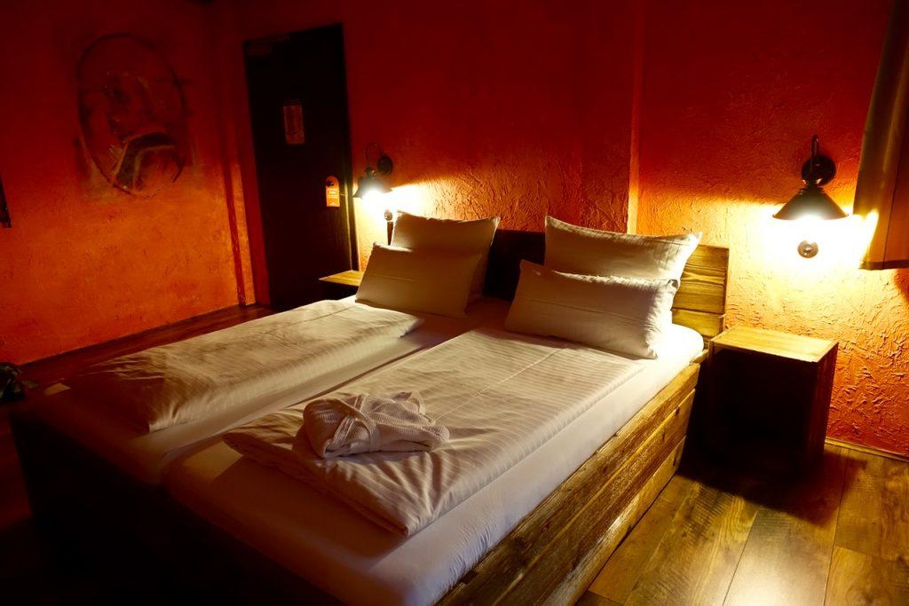 Tropical Island Übernachtung - Premiumzimmer im Hafendorf