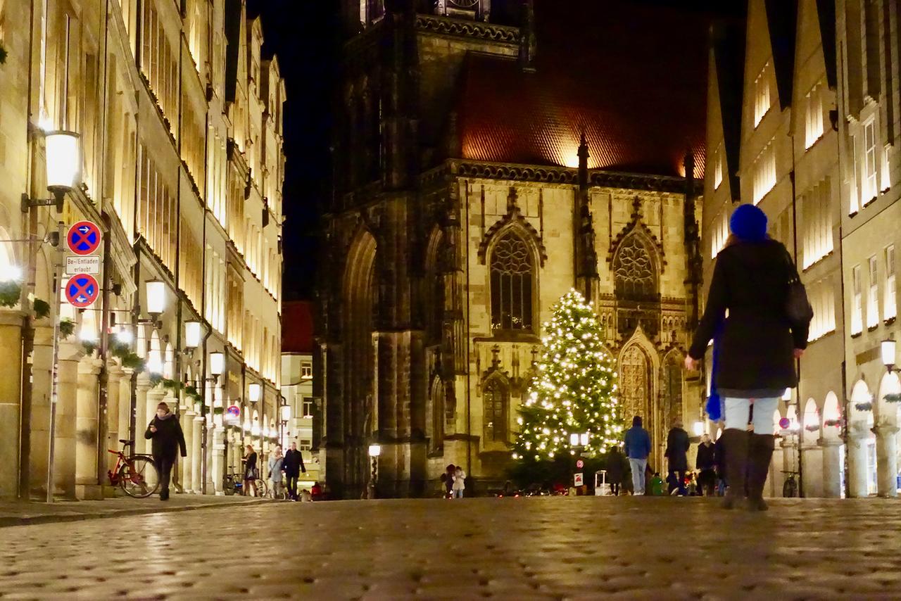 Muenster Weihnachtsmarkt Bilder wunderschöne Kulisse