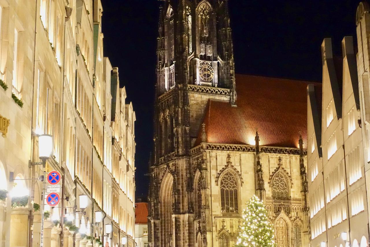 Muenster Weihnachtsmarkt Bilder St. Lamberti Lichtermarkt
