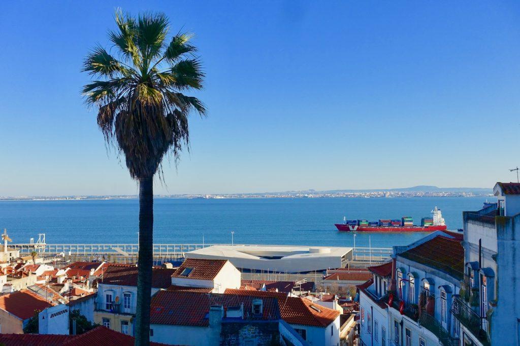 Blick auf den Hafen von Lissabon