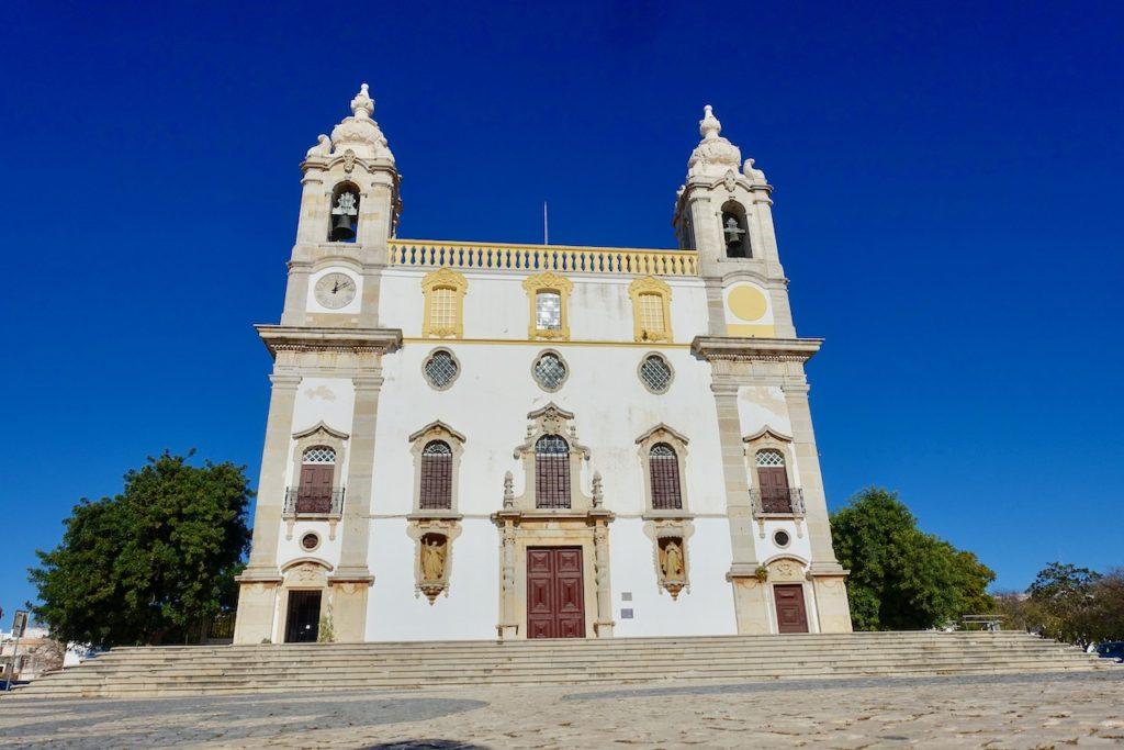 Faro Barockkarmeliterkirche Nossa Senhora do Carmo