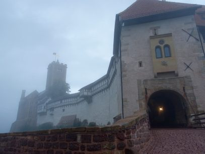 Auf der Wartburg im Nebel
