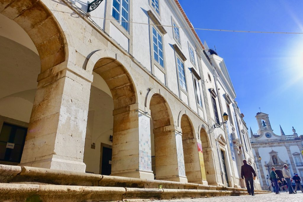Auf dem Weg in die Faro Altstadt