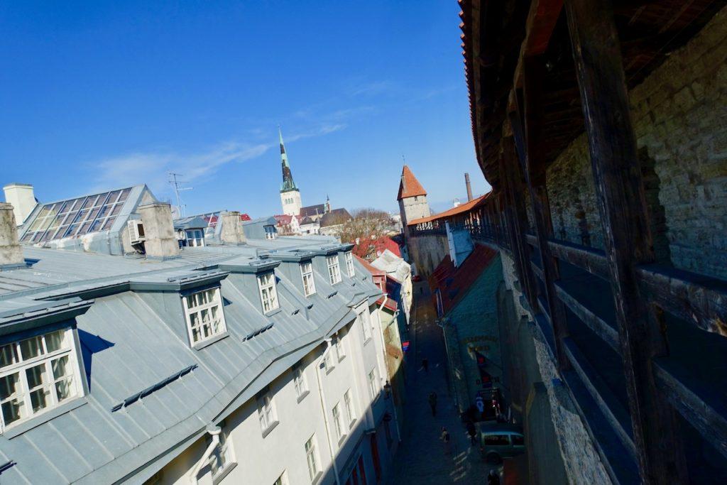 Tallinn Spaziergang auf der Stadtmauer