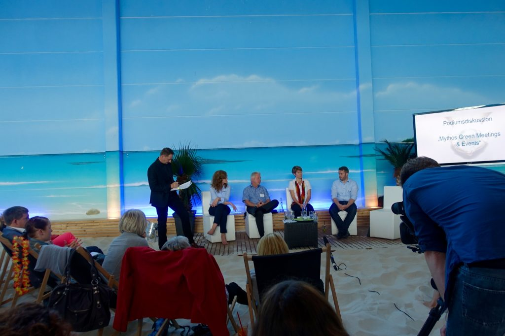 Podiumsdiskussion im Beach Center