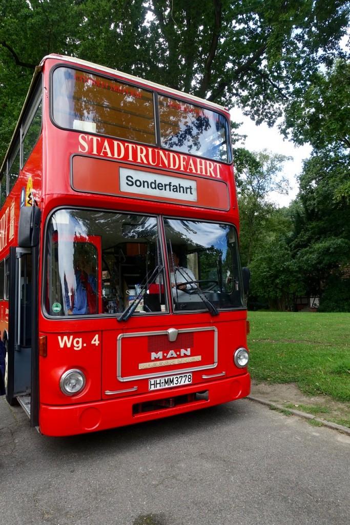 Mit dem roten Doppeldecker auf Sonderlocation-Tour durch Hamburg