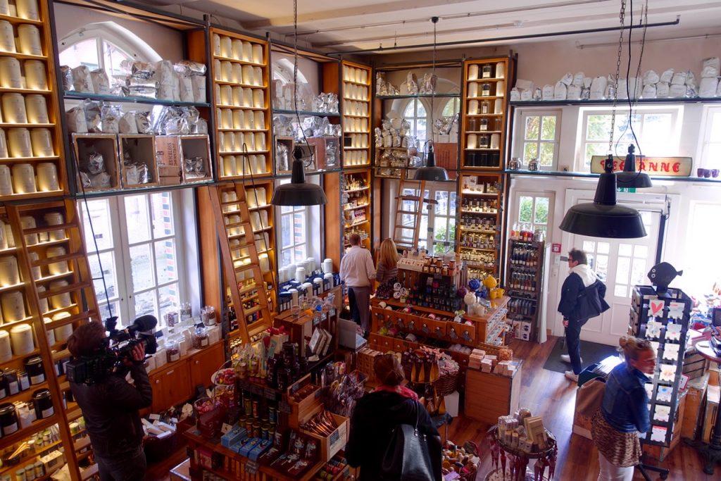 Der kleine Shop im Wasserschloss - zauberhaft