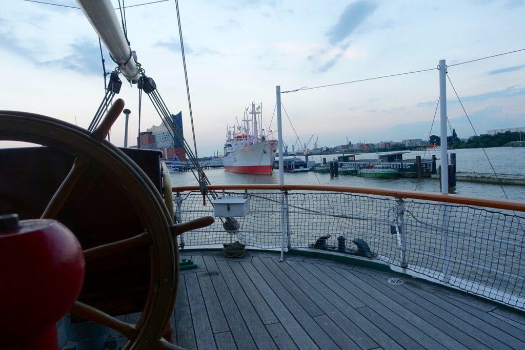 Ausblick von der Rickmer Rickmers - Hamburg Tipps
