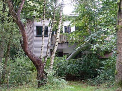 Ungewöhnliche Übernachtungsmöglichkeiten in Deutschland - Baumhaus im Center Parcs Bipsinger Heide