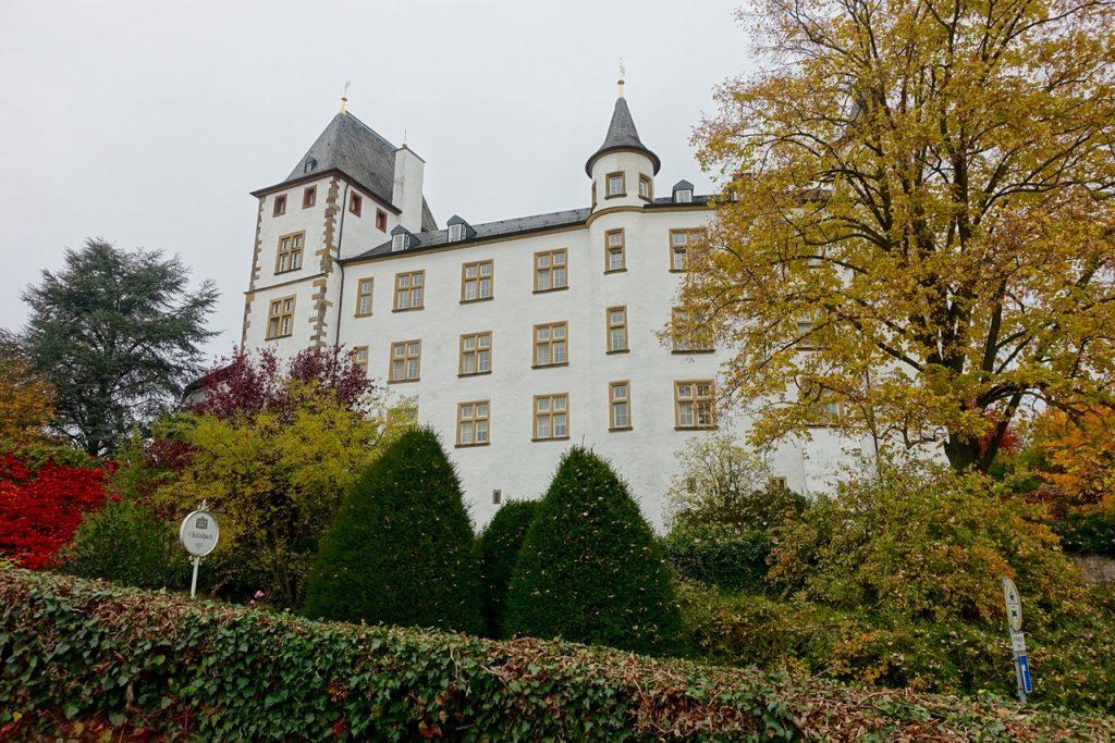 Valentinstag Geschenke - Romantische Kulisse Schlossgarten Victor's Residenz Hotel Schloss Berg