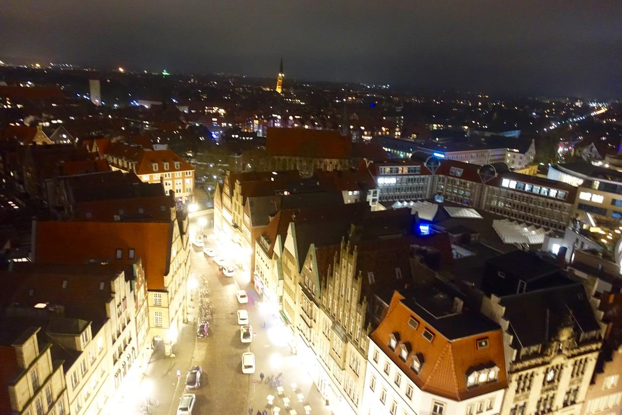 Blick auf das nächtliche Münster