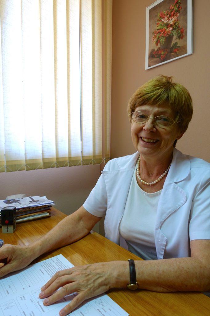 Dr. Veronika Moll