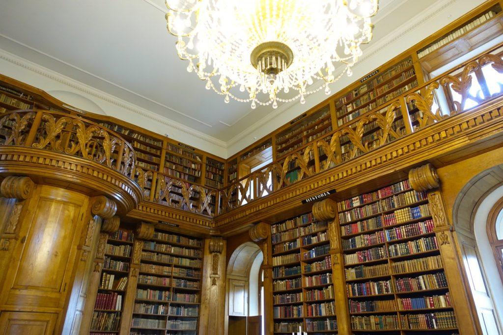 Bibliothek im Barockschloss