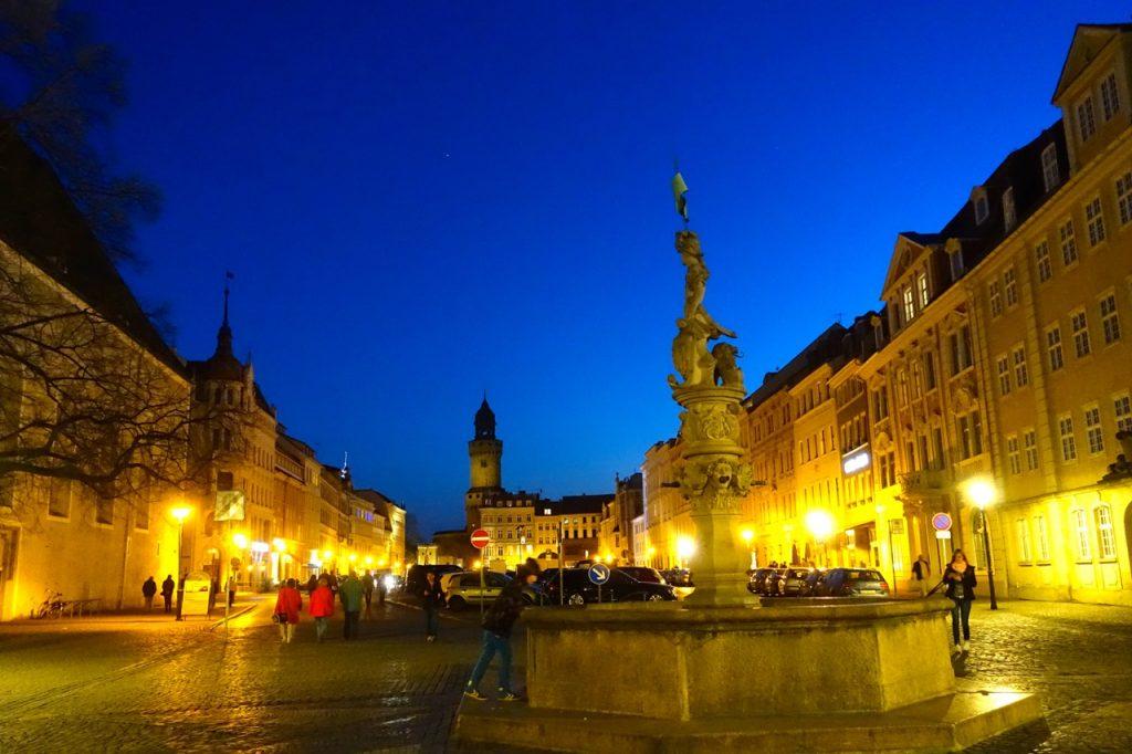 Blaue Stunde im Stadtzentrum von Görlitz