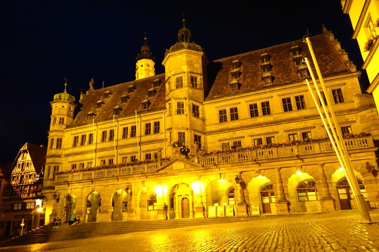 Am Rathaus Rothenburg ob der Tauber