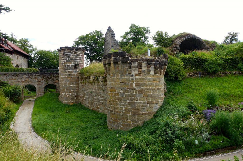 Burgen, Schlösser und Ruinen im Burgenwinkel