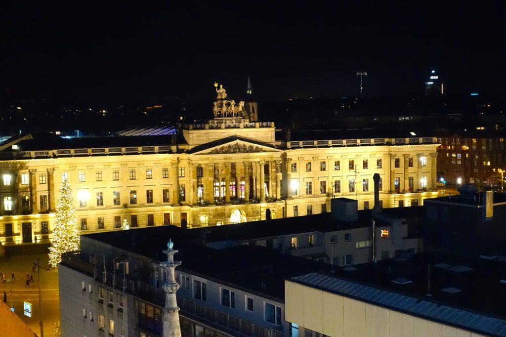 Schloss Arkaden Braunschweig mit Quadriga