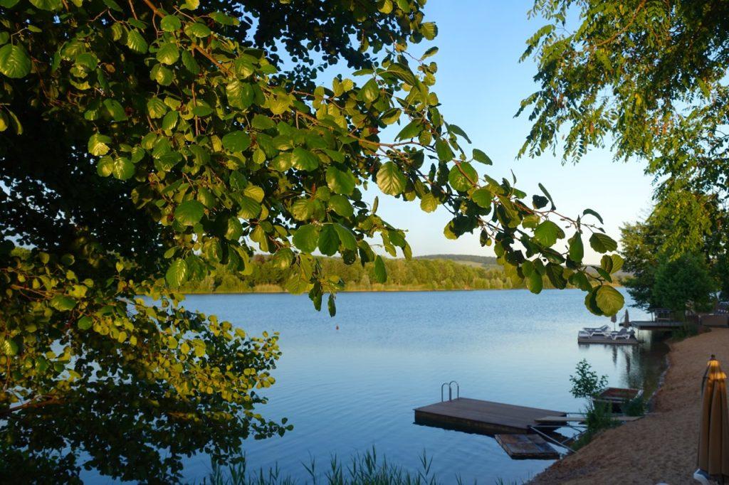 Seehotel Niedernberg schwimmen im See