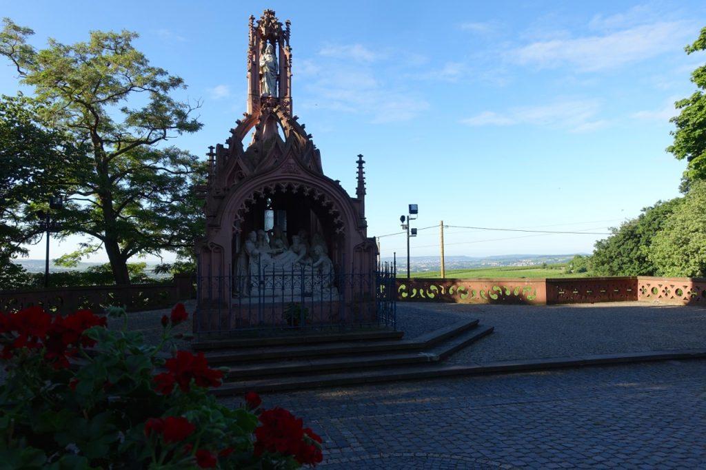 An der Rochuskapelle auf dem Rochusberg