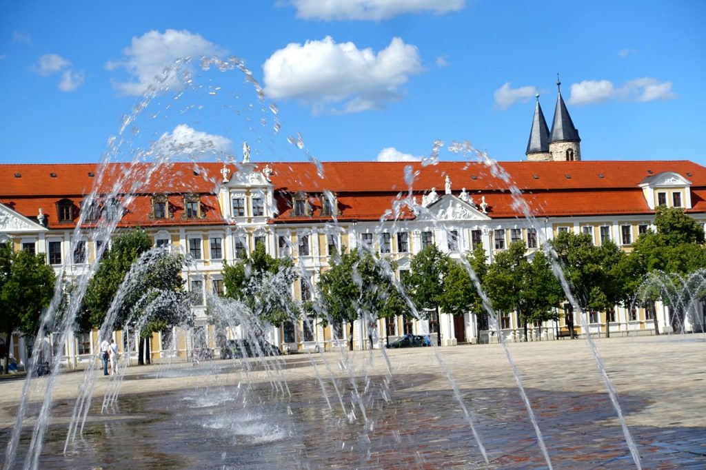 Magdeburg Urlaub - Wasserspiele am Dom