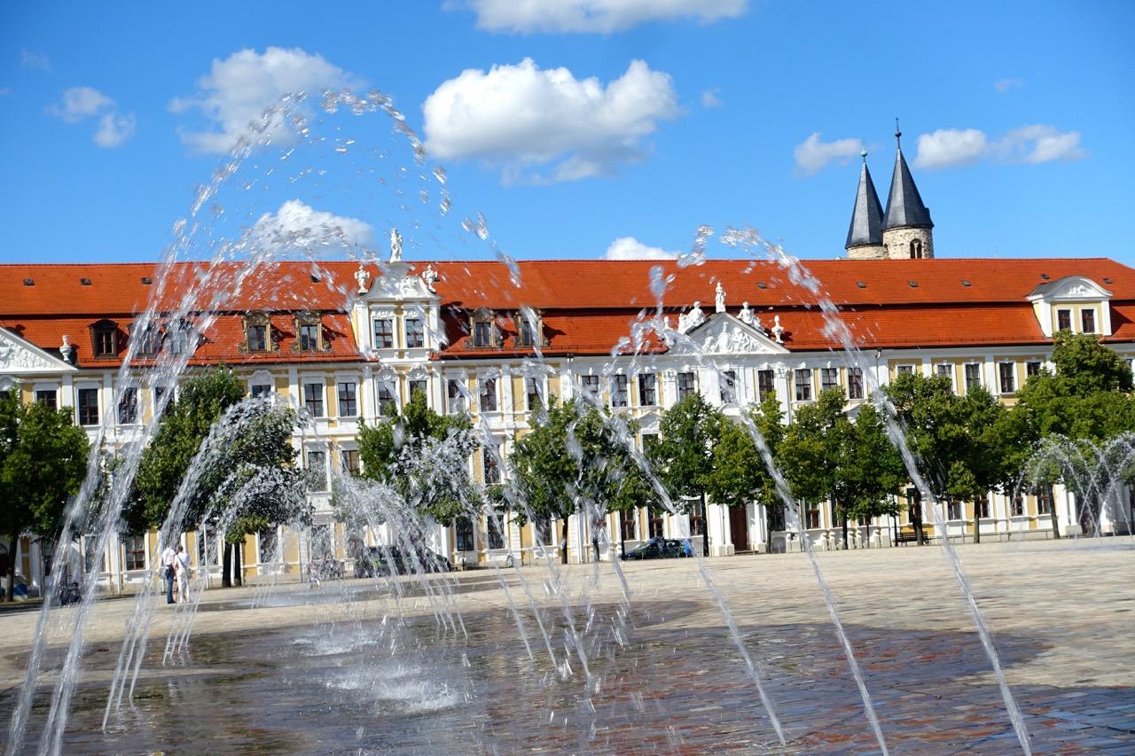 Magdeburg Urlaub – Wasserspiele am Dom