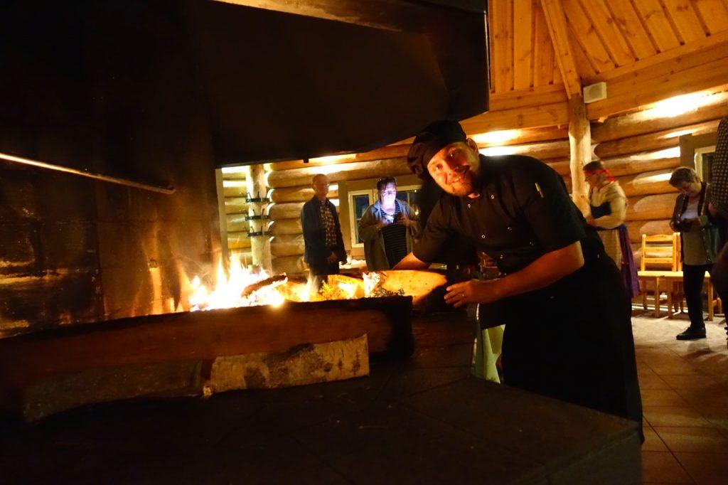 Finnlandreise mit Flammlachs am offenen Feuer